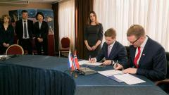 A five-year Russian-Norwegian cooperation plan is signed in Murmansk